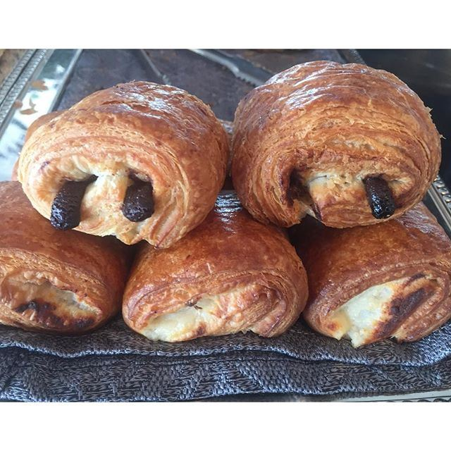 Never underestimate the power of chocolate in the croissant ...... Live from @miramarresort (Miramar Hotel Resort and Spa)