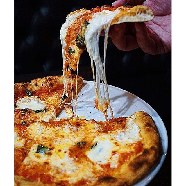 Tag the last person you had Pizza with and let them it's time for more!!! Capture via @eatfamous