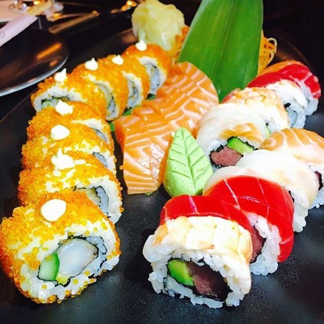 The fine art of preparing sushi is something that you watch and learn @fsbeirut (Four Seasons Hotel Beirut)