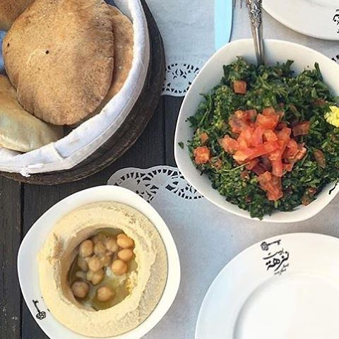 It's fun to get together and have something good to eat at least once a day. That's what human life is all about enjoying things with @beirutfood @beitnazha (Beit Nazha)