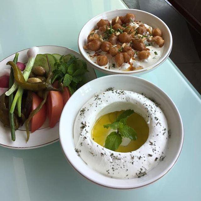 This is how the Lebanese get started on Sunday.... Good morning Lebanon (Beirut, Lebanon)