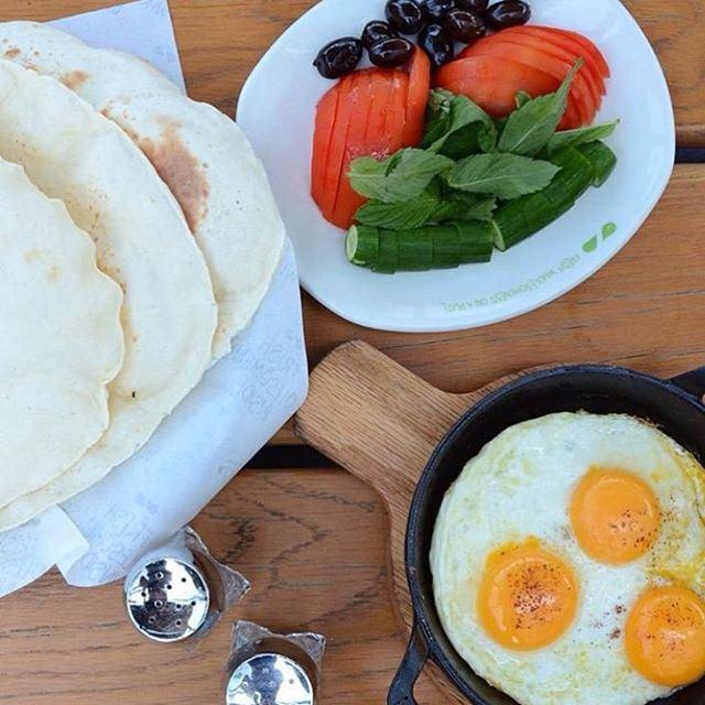 When it come to Breakfast no one does it like the Lebanese... (Zaatar W Zeit)