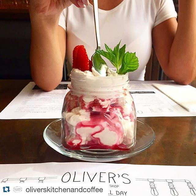 Swing by and sugar coat your day with this finger-licking Eton Mess; fresh strawberries, whipped cream mixed with crushed meringue 🍓🍓🍓🍓 (Oliver's Kitchen & Coffee Shop)