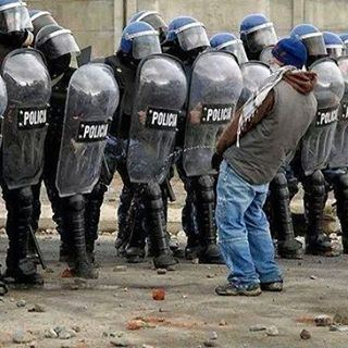 fuckthepolice yaskot7ekml2az3ar alsha3byouridiskatalnizam alticoberre tol3etri7etkon bednan7asseb Libertyordeath freedombeirutlebanon 2016 rEVOLUTION
