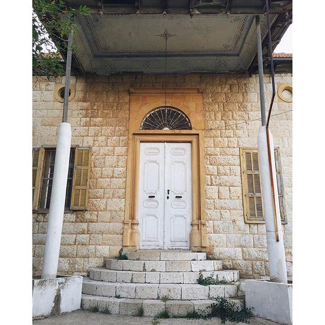 Doors of Douma 3/3 💛 DoumaByALocal lebanonbyalocal douma (Douma, Liban-Nord, Lebanon)