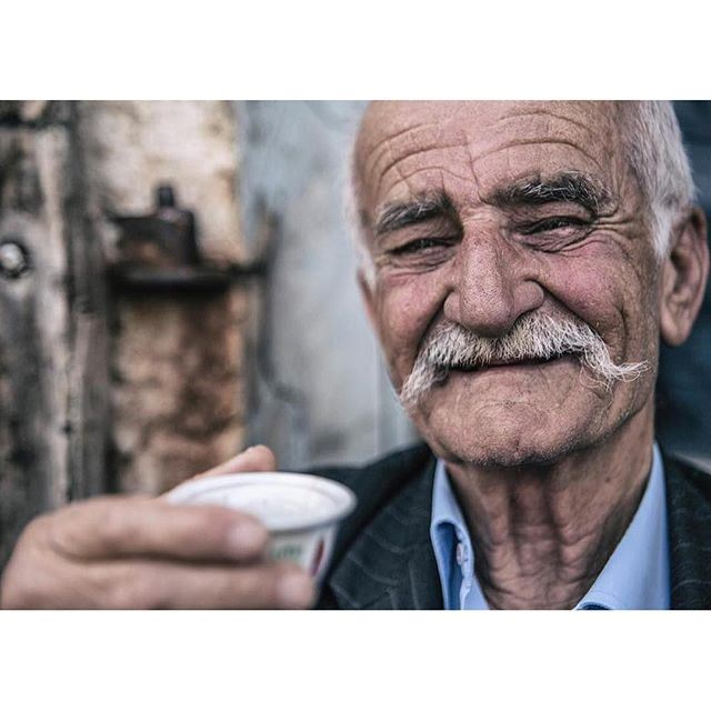 This peaceful smile 🙏🏼 (Douma, Liban-Nord, Lebanon)
