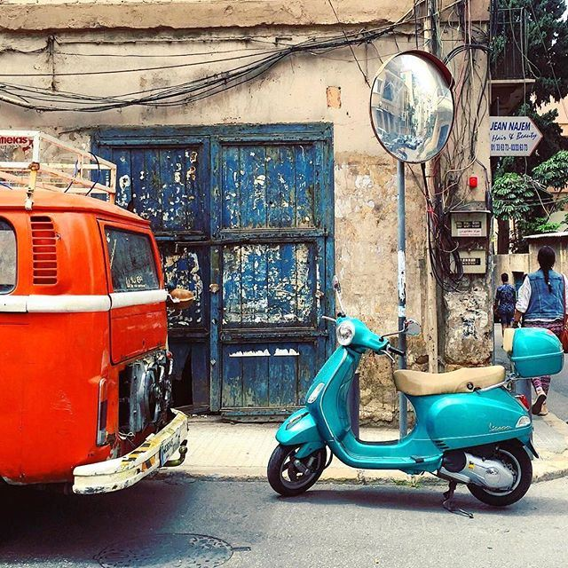 Would you choose the Vespa for a ride on the beach or the vintage camping van for a weekend getaway? liveauthentic (Huvelin)
