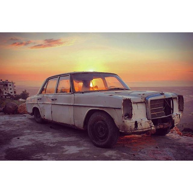 How many magical sunsets this car has witnessed 🌅 (`Akkar, Liban-Nord, Lebanon)