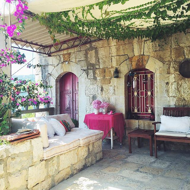 """Setting up the """"stay7a"""" to welcome the early spring liveauthentic (Aramoun Keserwan)"""
