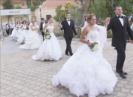 35 Couples Weddings at the Same Time in Zahle