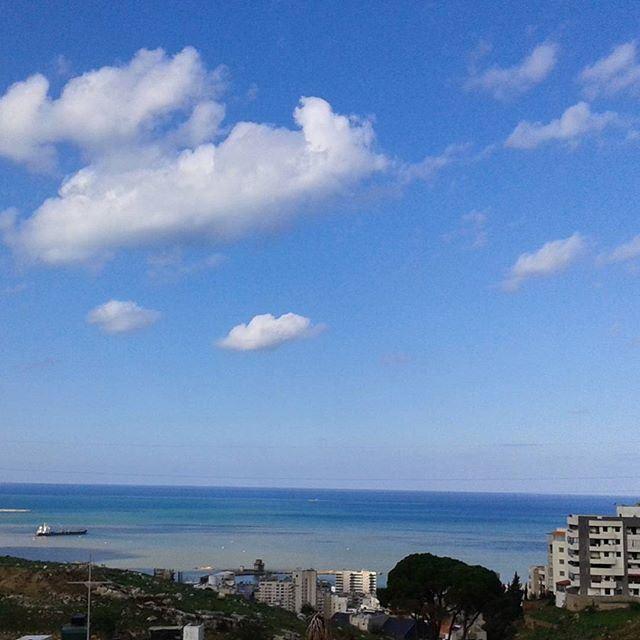 beirutnow nofilter nofilters blueskyafterstorm beautifulsky beautifulwinterday beautifulweather (Beirut, Lebanon)