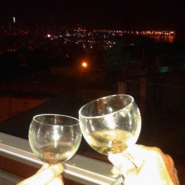 familygathering sajnight wineitalywine vinbestmoment bestwinebestwinevercollestefano whitewine vinblanc (Bye2out)
