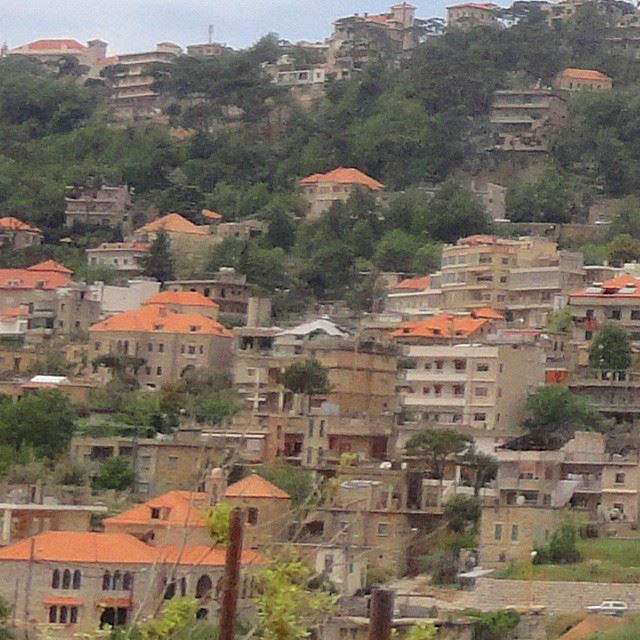 village beautifullebanon beautifulnature discoverlebanon loves_lebanon redbricks stonehomes