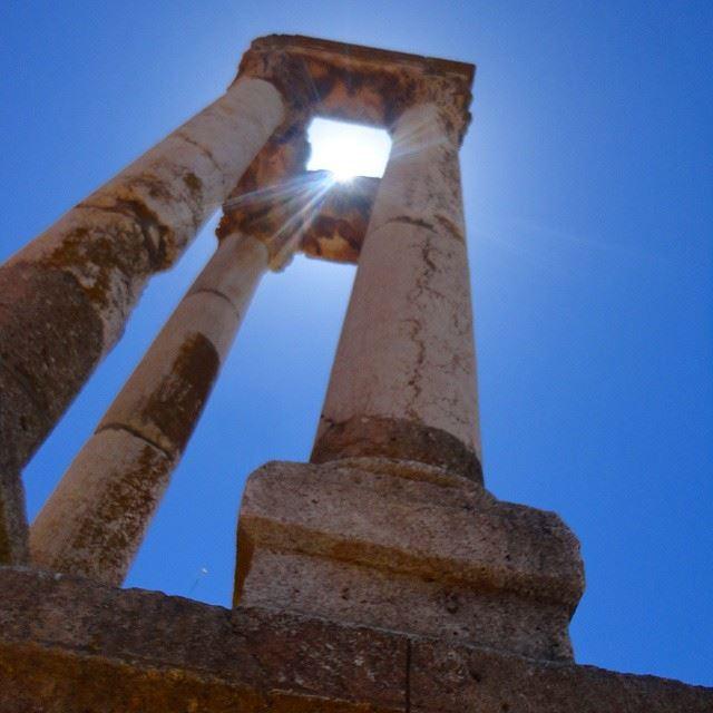 sunlight sunlights sunoldcolumncolumnes colossecolossocolosseo colosseum heritage historic historique discoverlebanon
