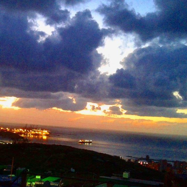 Beyrouth hier soir mediterraneansea cloudy clouds sunlight sunset