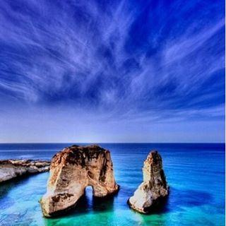 صخرة_الروشة_العظيمة
