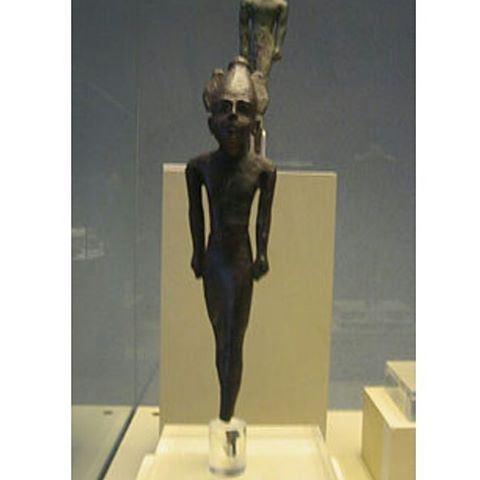 صورة للإله الفينيقي بعل