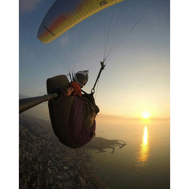 Fading away with the colors of the sunset and the sky that now match the colors of the glider.🌅