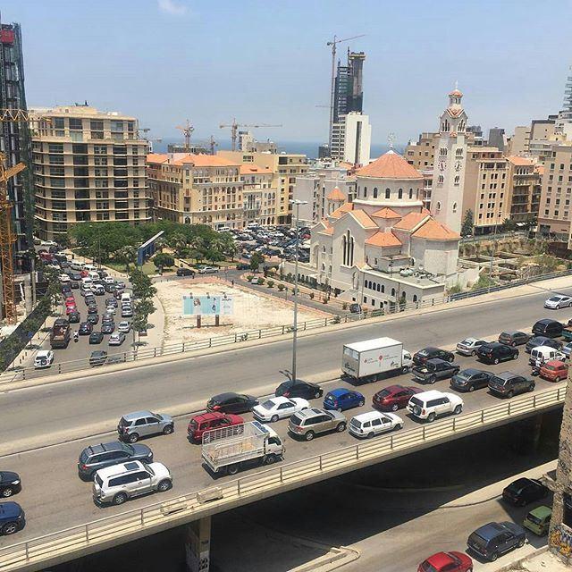 Beirut Life Style Traffic ⛪🚙🚗🚕🚛 (Downtown, Beirut, Lebanon)