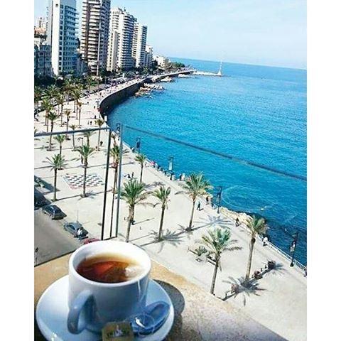 Bcharafkon Fi ajmal min heik manzar?! 😍👍 (Al Manara Beirut)