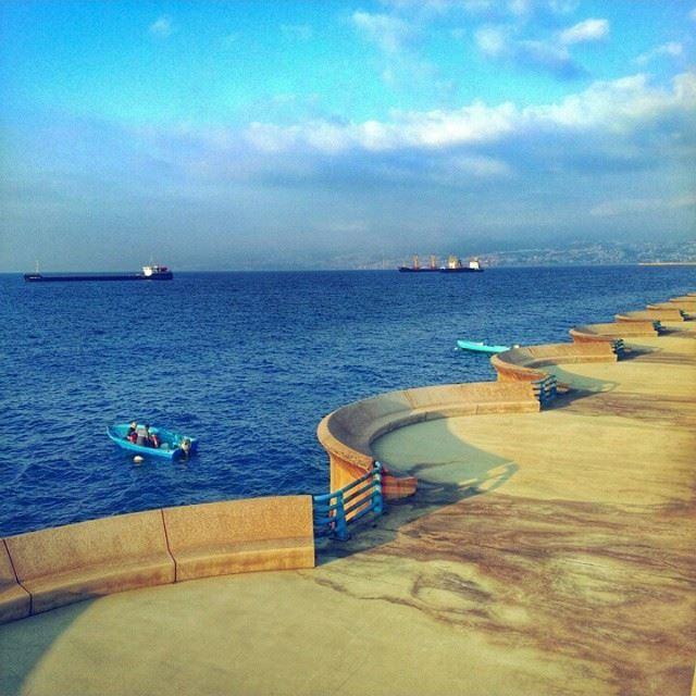 Evening friends 👋😃🎈 Beirut Waterfront 😍
