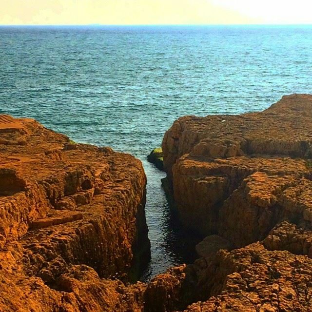 It is so amazing how u can discover the place you have always lived in Beirut sea ricks shore (Ar Rawshah, Beyrouth, Lebanon)