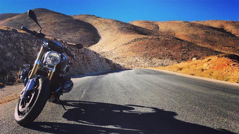 bmw bmwmotorrad rninet motorcycle (Hadath Baalbeck)
