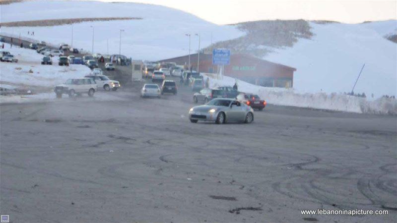 Nissan Drifting in Piste Warde Kfardebian Faraya (Winter 2012)