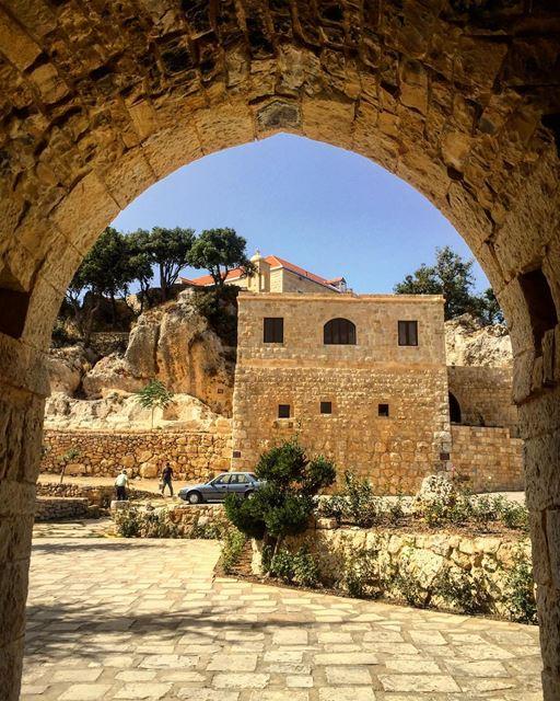 #church #monastery #arcade #peaceful (Deir Mar Semaan-Aito)