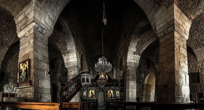 كنيسة دير المخلص، جون
