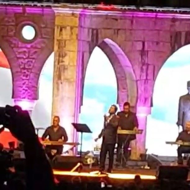 مهرجان غوسطا -تعلا وتتعمر يادار- waelkfoury_news