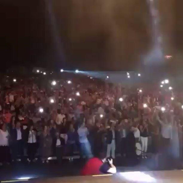 افتتح الملك وائل_كفوري حفلة امس مهرجانات_القبيات بأغنية تعلى وتتعمر يا دار