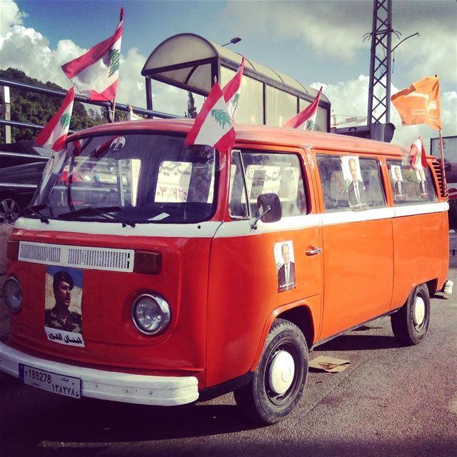 Aoun bus, Byblos