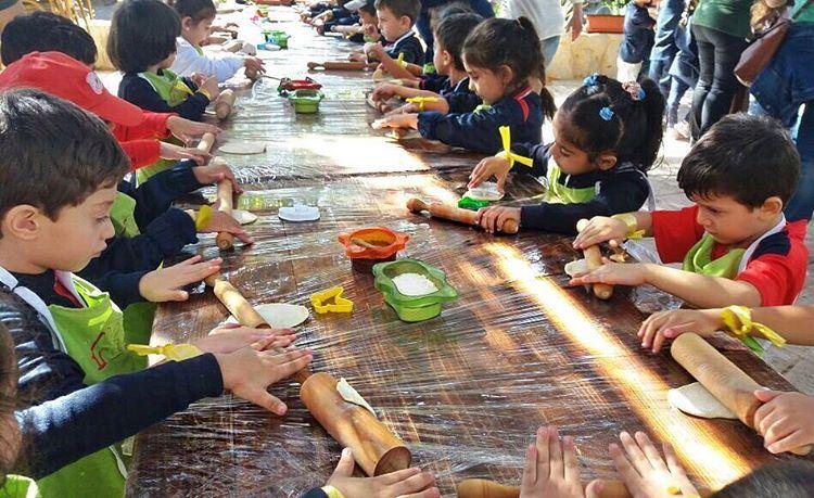 Kids Making Man2ouchi in Batroun