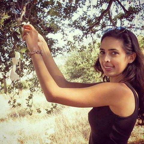 #hope #wishes #emchrachit #tree #girl #s (Rachaya El Wadi)