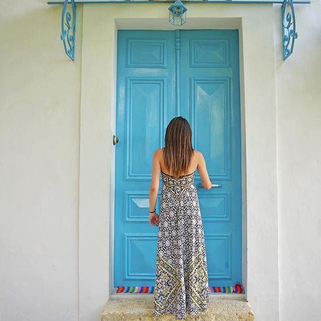 La porte bleue ....