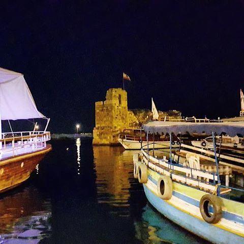 Jour et nuit, on vit et aime Byblos...
