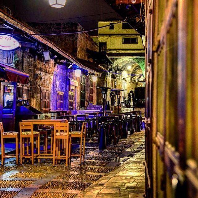 Je t'écris de Byblos, de ce vieux souk...