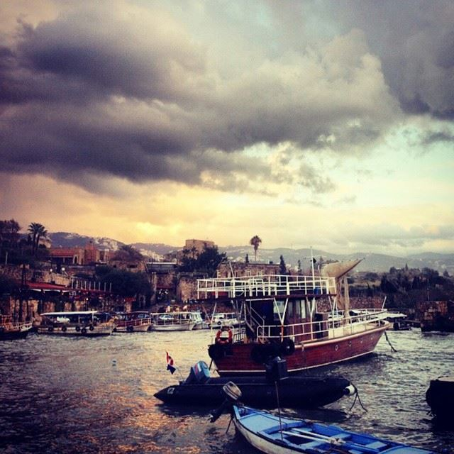 Please join the SaveByblos initiative to help the city cope with the aftermath of Zina that has caused so much damage especially to the seaport, a valuable hisorical monument livelovebyblos by @catkhoury