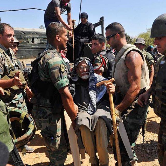 الجيش اللبناني يساعد ابناء وطنه. شرف تضحية وفاء ✌️🇱🇧