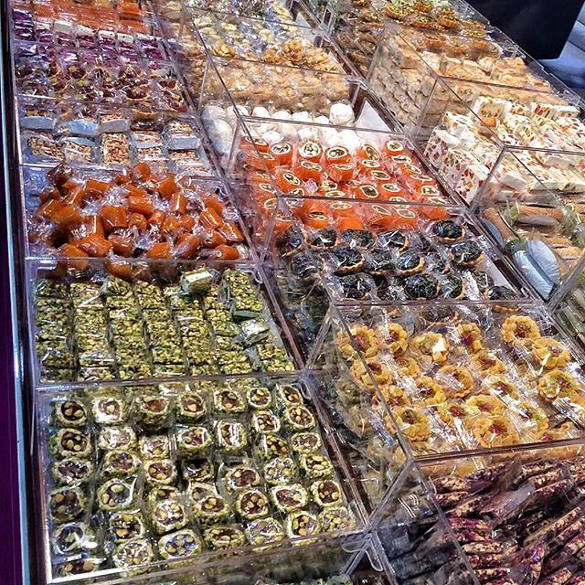 Check out all these sweets 😱 (Biel - Hall)