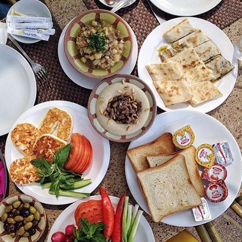 Good morning everyone! ☀️ Lebanese breakfast by the sea 🌊 (Bayrock Cafe)