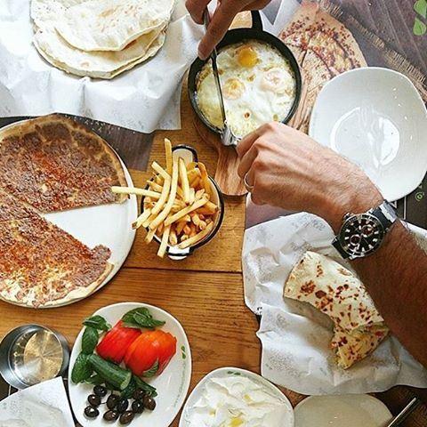 Good morning Sunday ❤️☀️ A delicious breakfast spread at @zaatarwzeit 😍 (Zaatar W Zeit)
