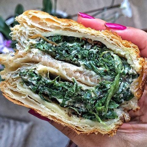 This Spinach & cheese pie for breakfast 😍😍😍 @biscuitsarl  (Biscuit SARL)
