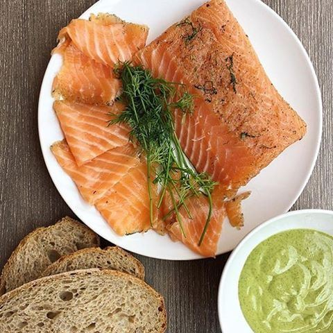 Any salmon lovers here? 😍❤️🍴 Photo credits @yarannoti