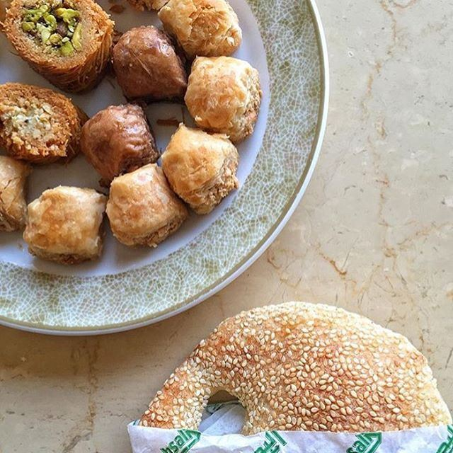"Some delicious Lebanese ""snacks""  are enough to make any Monday better ❤️❤️🍴 (Al-Bohsali Sweets)"