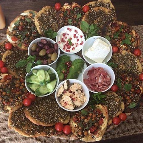 Lovely Mankoushé platter taken by @mummaeliasfood 😍👍 manakeesh manakish zaatar lebanese lebanesebreakfast lebanesefood lebanesefoodie foodie foodshare lebanoneats beirut lebanonfood instagood instafood ilikeit homemade lebaneserecipes healthyfood
