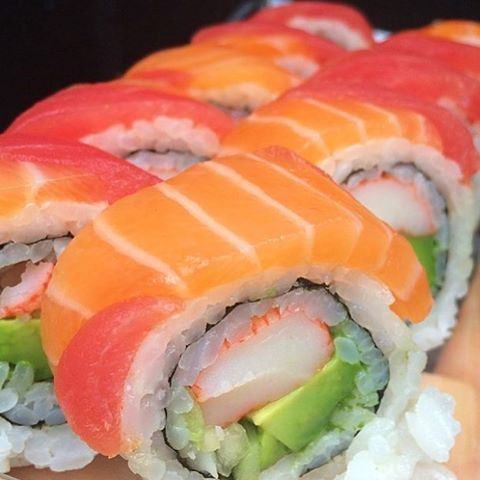 Where's your fave sushi place ???? 😍😍😍🍣🍣🍣 Sushi Salmon Maki Lebanon LebanonEats Beirut LebaneseFoodie Lebanese LebaneseFood Foodie InstaFood InstaGood FoodPorn FoodComa FoodGasm LetsEat Foodography Lebaneseblog Japanesecuisine