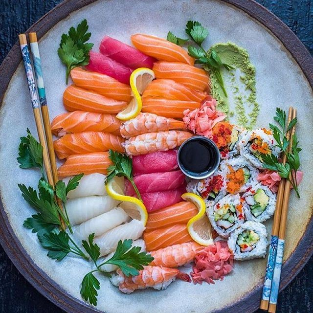 How beautiful is this plate? 😍😍😍 Taken by the talented @dennistheprescott ☺️👌🏻 lebanoneats sushi sashimi seafood fish salmon sashimiporn sushiporn cleaneats beirutfood beirut foodporn foodgasm salmonporn lebanese