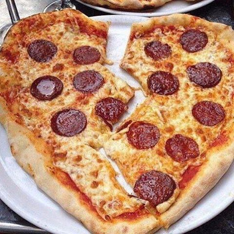 Please don't break my heart 🍕💔 TAG A PIZZA LOVER 😍